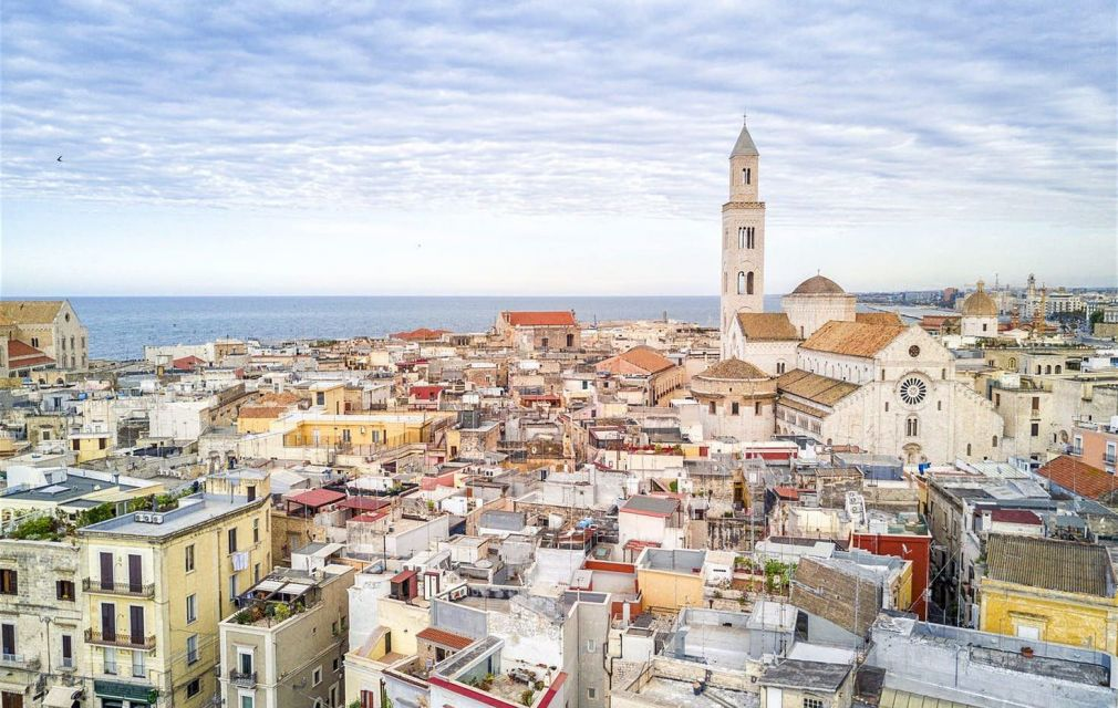 La foto di Bari pubblicata su Lonely Planet © Jacek Sopotnicki / Getty Images