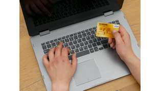 Consumatori italiani sempre più digitali: 1 su 4 compra online.
