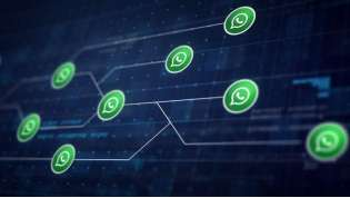 WhatsApp diventa dark: finalmente disponibile la versione scura