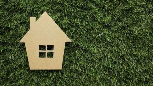Legno, paglia o sughero: la casa del futuro è ecologica