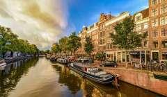 Milano e Roma meno costose delle capitali europee: per comprare casa servono 12 anni di stipendio, ad Amsterdam il doppio