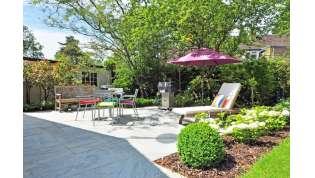 L'estate sta arrivando: i consigli per arredare al meglio il giardino